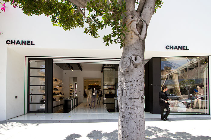 Chanel Robertson Boulevard Shopping Dining Amp Travel Guide For Los Angeles California